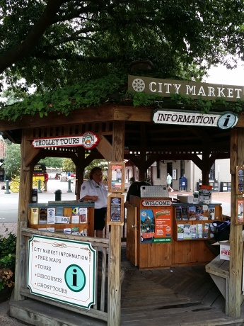City Market Tourist Info, Savannah, GA